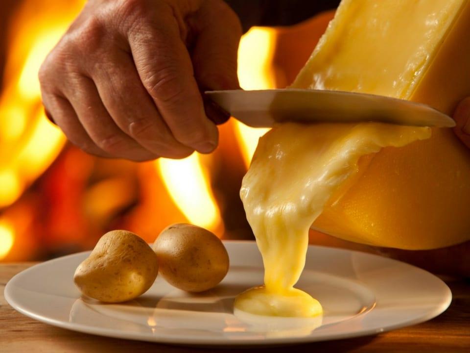 O típico Raclette suíço. Foto: Queijos da Suíça.