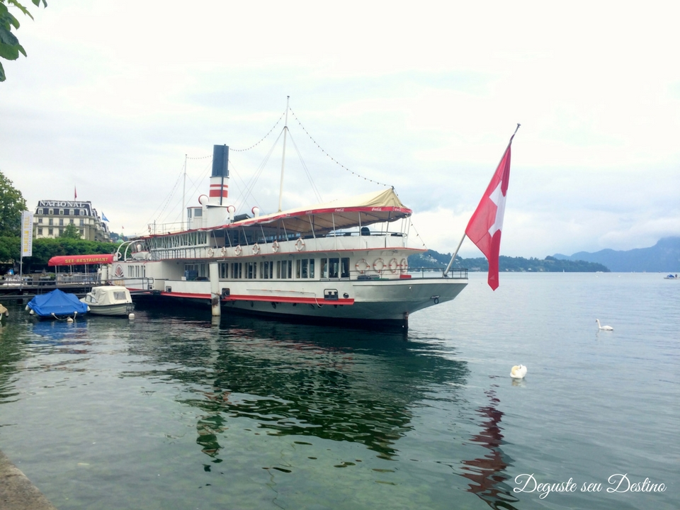 Há também várias opções de passeios de barco em Lucerna, para visitar cidadeszinhas próximas dali.