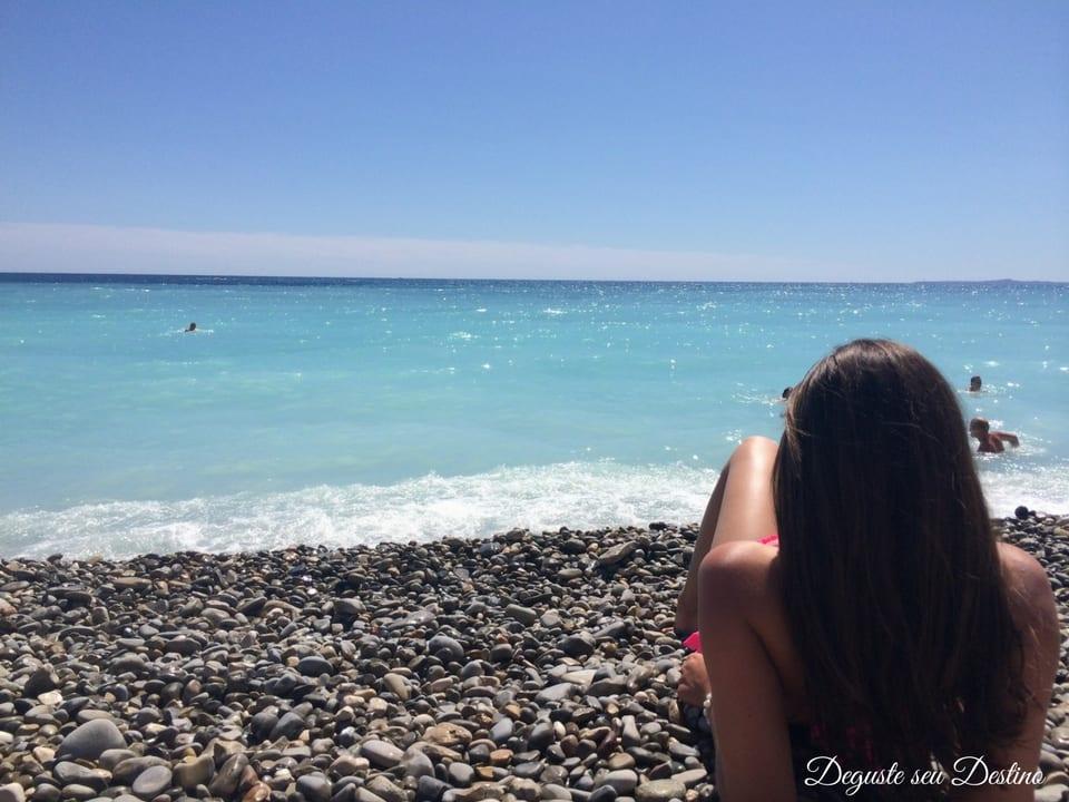 A linda praia de Nice e seus tons de azul (também foto sem filtro).
