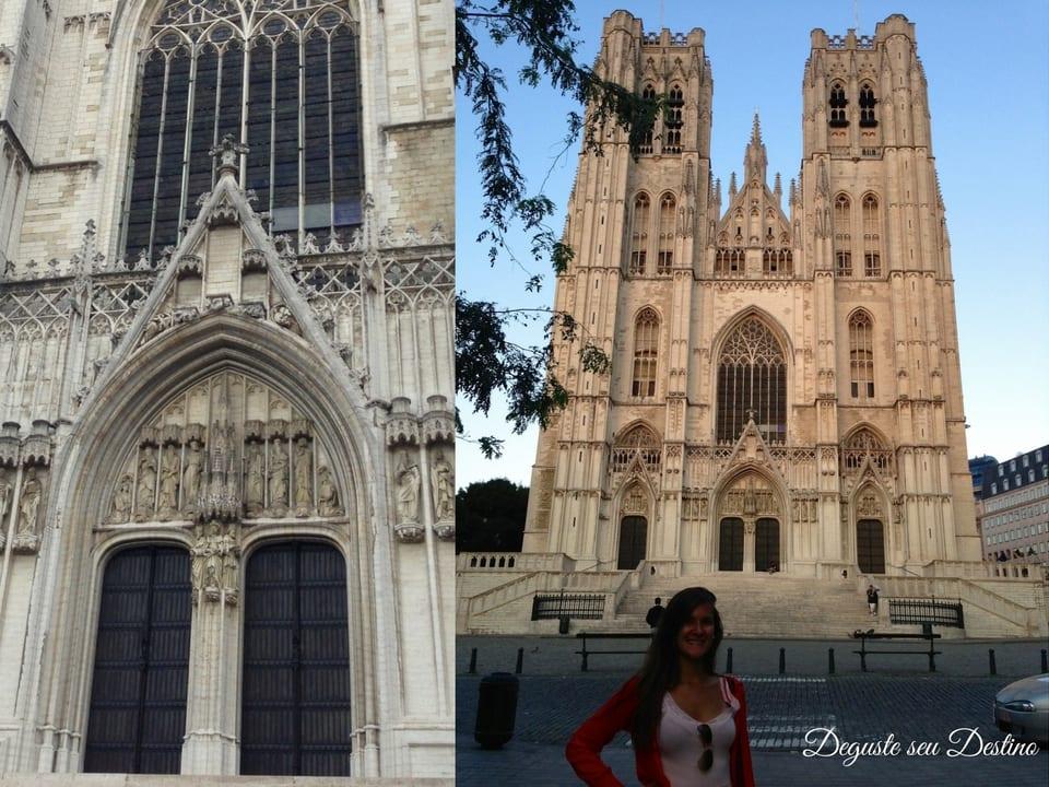 A linda catedral de St. Michael e St. Gudula e alguns detalhes da sua porta principal.