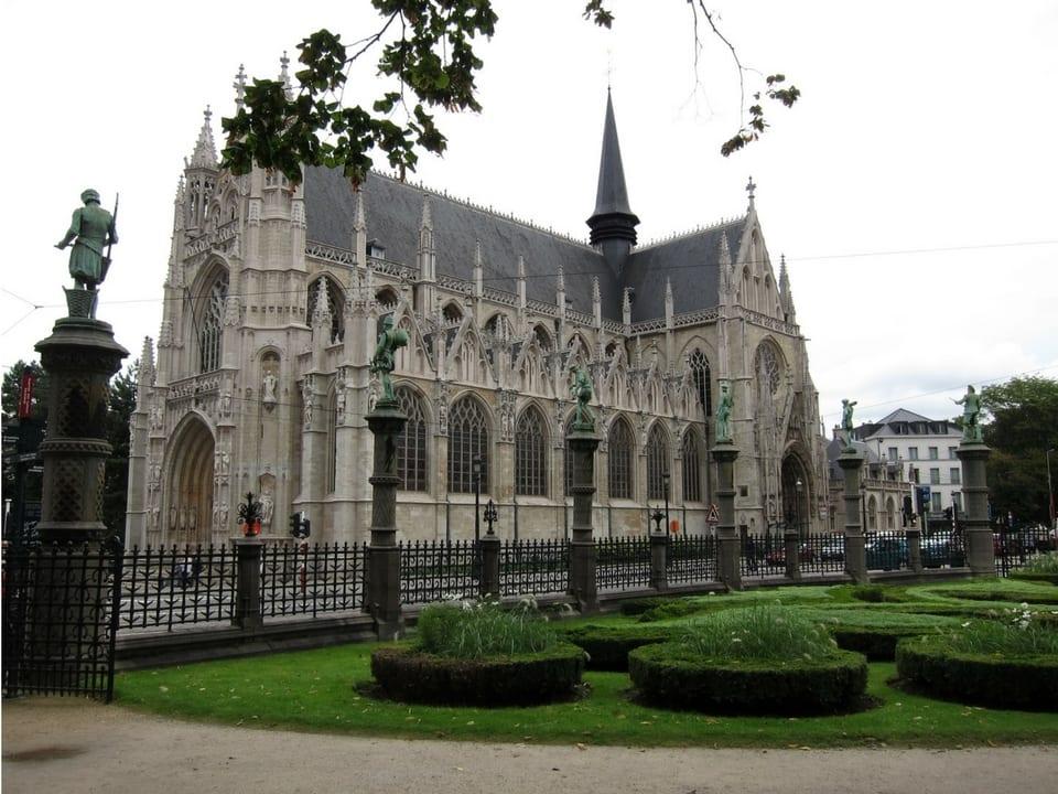 Notre Dame Du Sablon. Fonte: Foldedcranes.