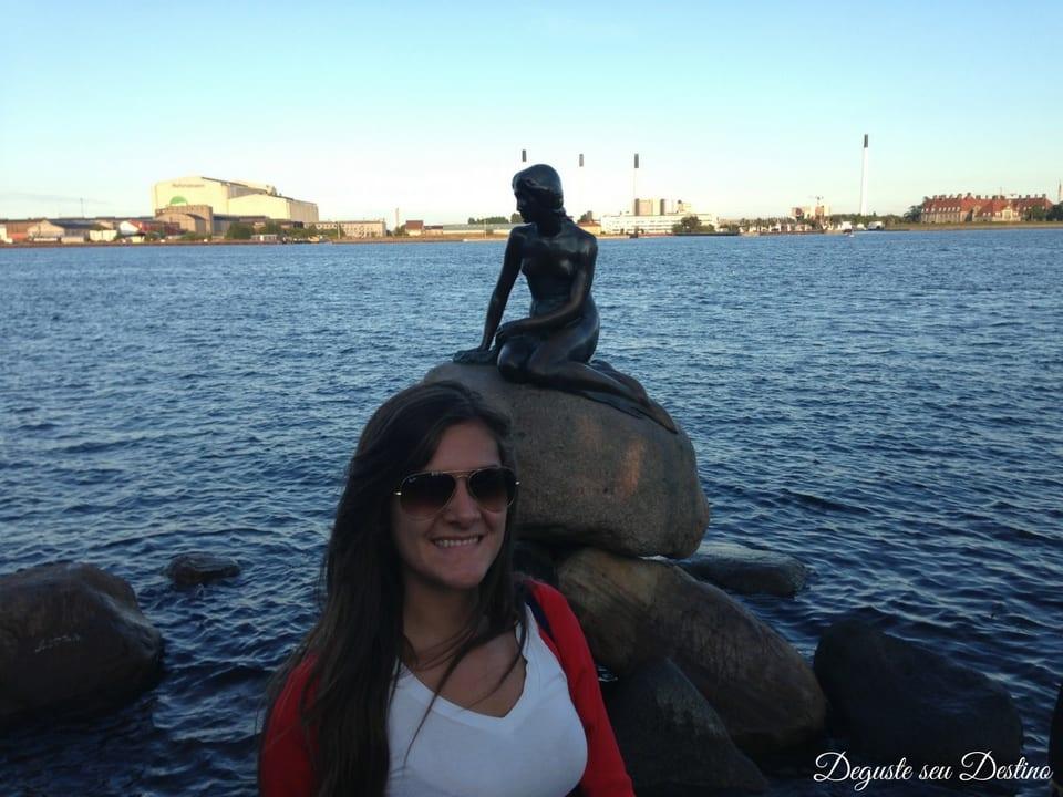 A famosa estátua da pequena sereia.
