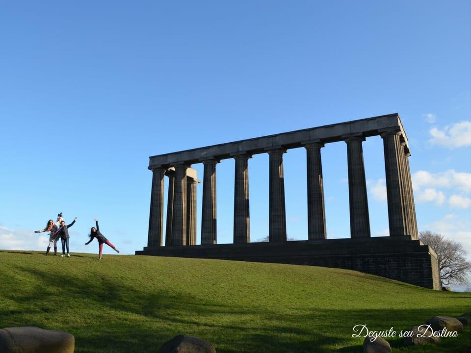 National Monument (na foto: eu e minhas primas, sempre viajando juntas comigo desde pequenas, rs).