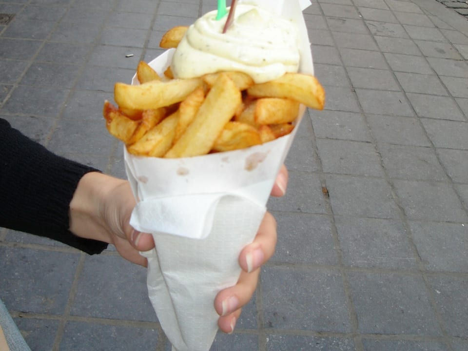 Batata-frita com o molho de maionese. Foto: Nacozinha.