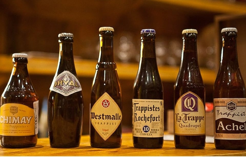 Diferentes marcas de cervejas belgas trapistas. Foto: Gourmmelier.