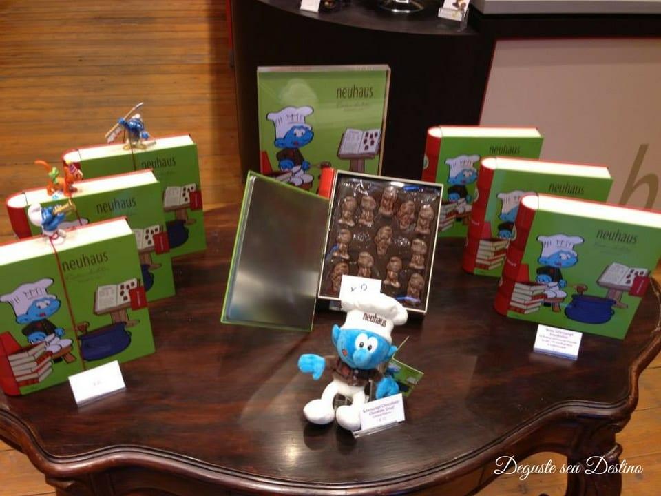 Chocolates da Neuhaus em homenagem aos Smurfs (desenho originado na Bélgica).
